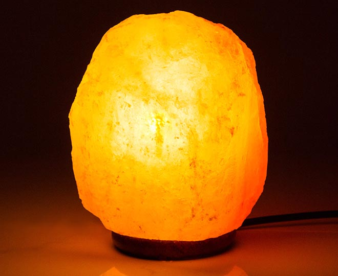 Do Salt Lamps Attract Dust : Scoopon Shopping Himalayan 3-4kg Natural Salt Rock Lamp