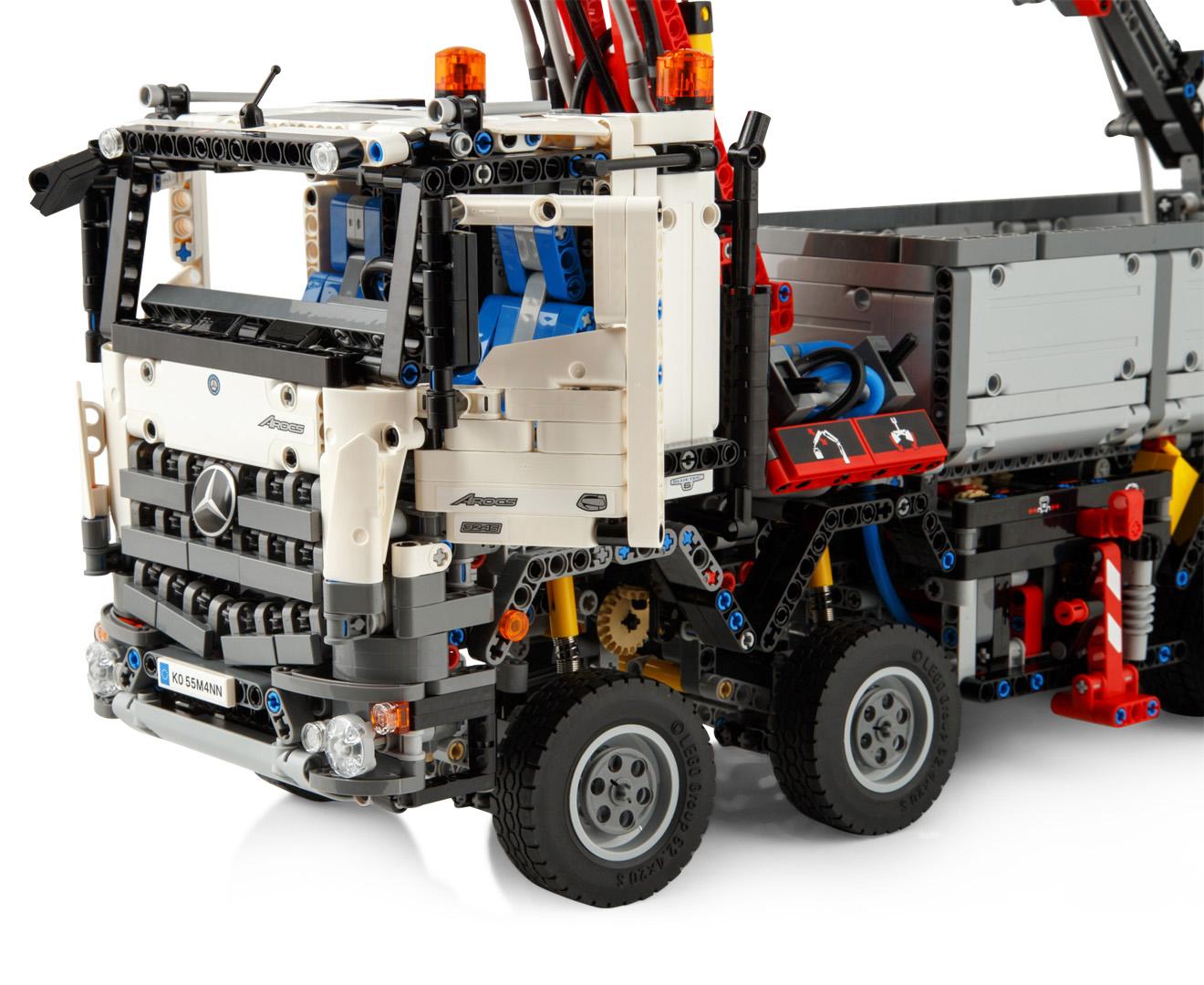 Lego technic mercedes benz arocs 3245 building set for Lego technic mercedes benz arocs