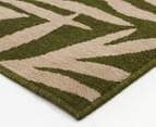 Tea Leaves 160x110cm UV Treated Indoor/Outdoor Rug - Green 3