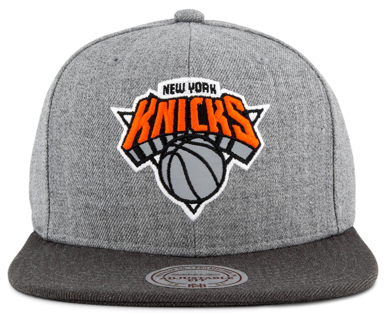 aa7a45ae3f8 Mitchell   Ness Heather Reflective Snapback Hat - New York Knicks   Grey