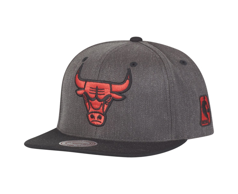 7cbcebbc09e Mitchell   Ness Flexfit 110 Snapback Cap - Chicago Bulls
