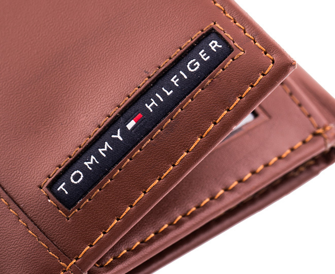 tommy hilfiger cambridge trifold pull up wallet tan great daily deals at australia 39 s. Black Bedroom Furniture Sets. Home Design Ideas
