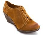 Clarks Women's Hazelnut Ice Shoe - Mustard Yellow 4